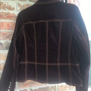 Chico Fitted, Crop-style Jacket in Deep Merlot